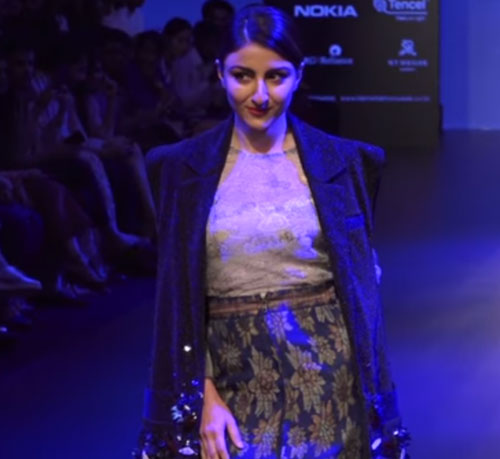 Lakme Fashion Week Finale: Bollywood Stars Mesmerise the Fashion Lovers with their Strut